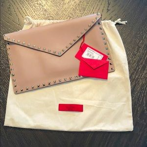 """VALENTINO Rockstud """"Large Flat Pouch"""" in Calfskin"""